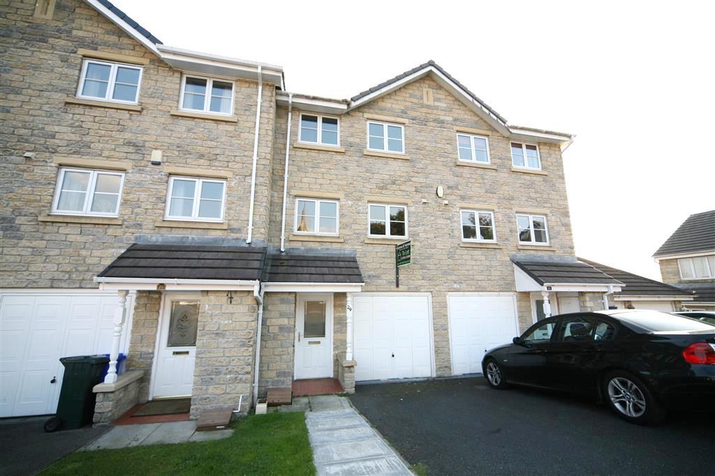 3 Bedrooms Terraced House for rent in Limewood Close, Helmshore, Rossendale